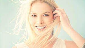 beautiful-woman-smiling-e1432594340454