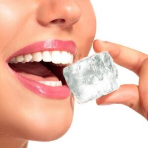 chewing-ice-cubes-habits-that-damage-your-teeth